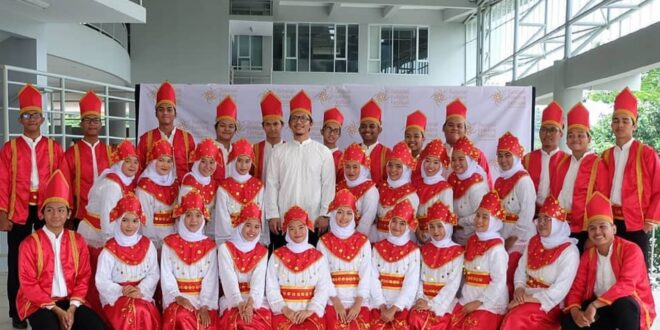 UHAMKA Choir Sabet Medali Emas 14th National Folklore Festival